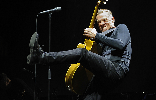 Bryan Adams at Videotron Centre